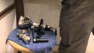 видео Как правильно собрать мясорубку (электрическую и ручную)