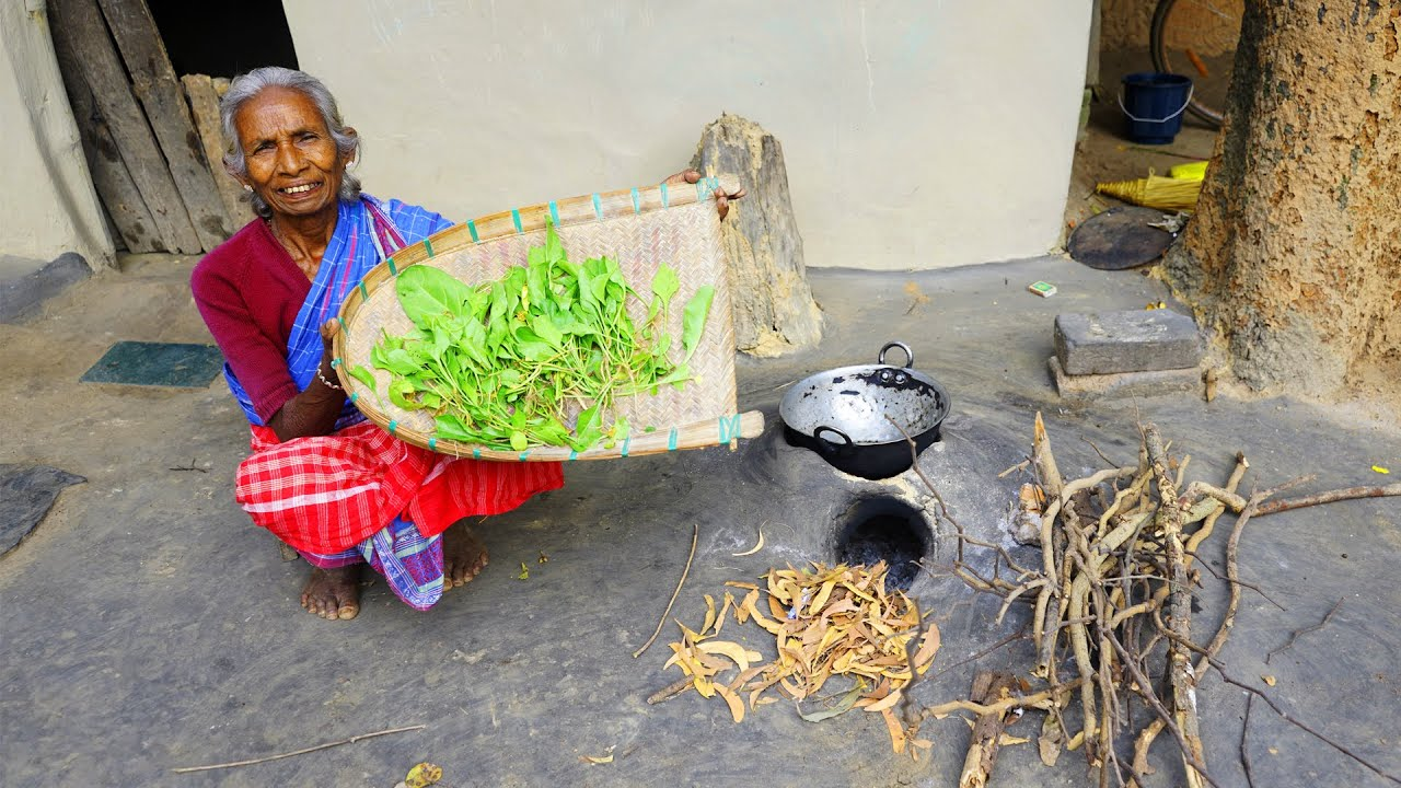 Today grandma find healthy & organic Palak leaves and cook for her lunch recipe in village