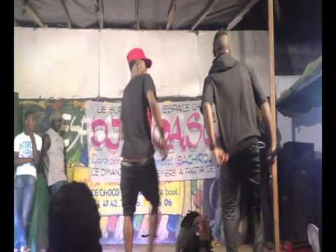 Dancers at Espace Choco Vridi, Port Bouët, Abidjan, Côte d'Ivoire