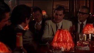 Uno de los nuestros (1990) - Escena - Eres un tipo gracioso