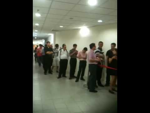 iPad Queue at Multimedia Integrated store in Singapore