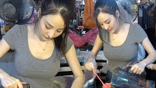HOTTEST STREET FOOD VENDOR EVER thumbnail
