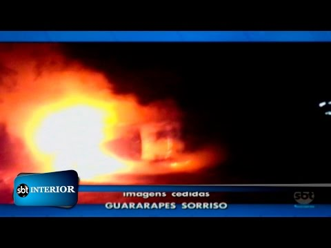 Após acidente, carro pega fogo na rodovia Assis Chateaubriand