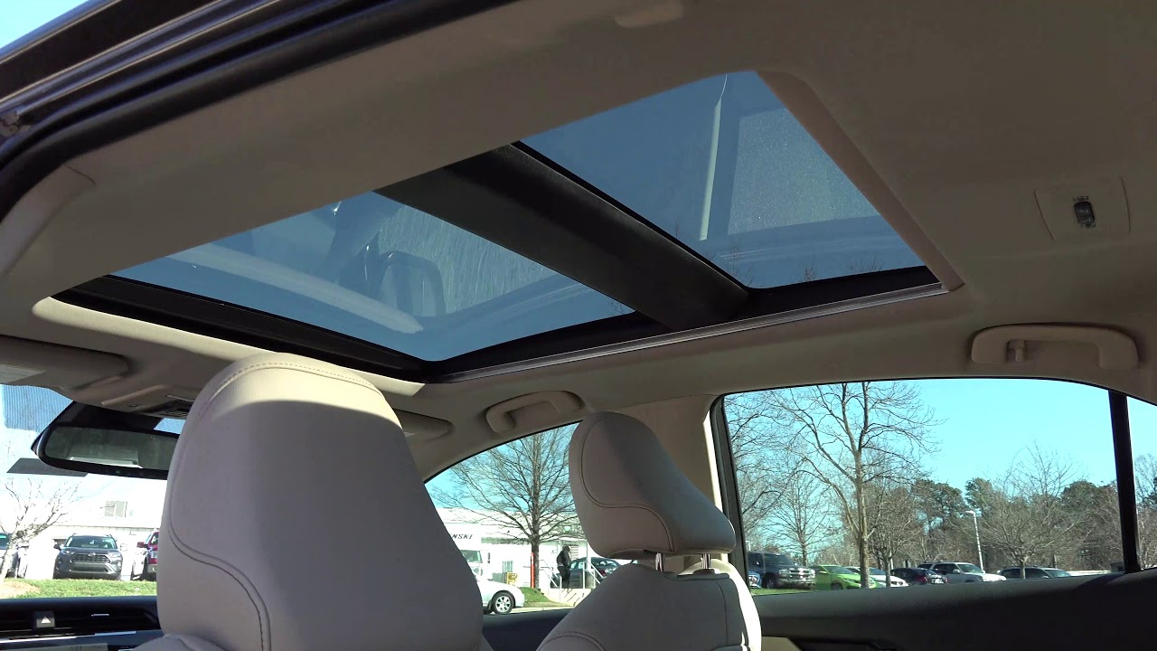 Toyota Camry Panoramic Glass Roof How Far Does It Open How Does It Work Youtube