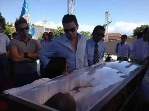 FUNERAL DE DIOMEDES DIAZ IMAGENES FUERTES Y TRISTES