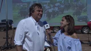 Intendente Sergio Botana en marcha a Arbolito