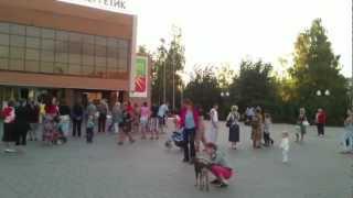Женщина жжет на центре г  Заинск