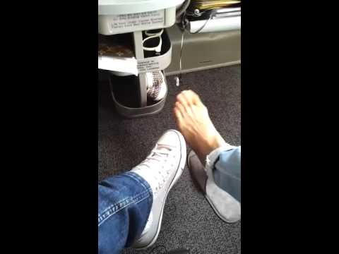 video 120708 sungmin naver upload on the plane with eunhyuk 39 s foot youtube. Black Bedroom Furniture Sets. Home Design Ideas