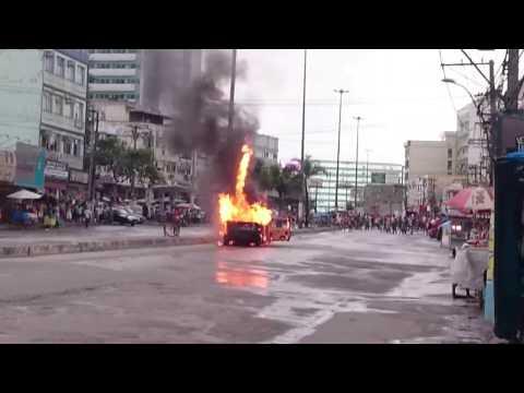 CARRO DE GÁS EXPLODE NO CENTRO DE ITABORAI
