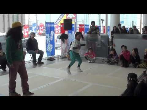 [青森日産乗れそれ杯 DANCE BATTLE] 準決勝 KanaDe vs MOMO - YouTube
