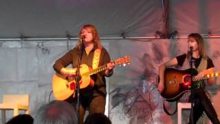 Watch Indigo Girls Run video