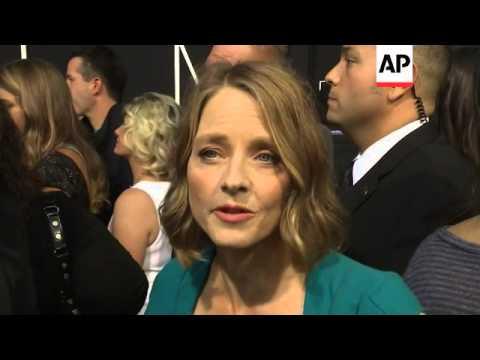 Actress marries photographer Alexandra Hedison