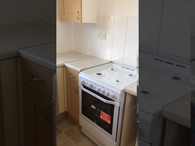 Large Double Room in newly refurbished house Main Photo