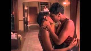 vuclip Bird Lesbian Kiss