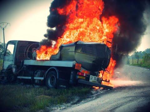 Accidents Les Plus CHOQUANTS De Camion  -18