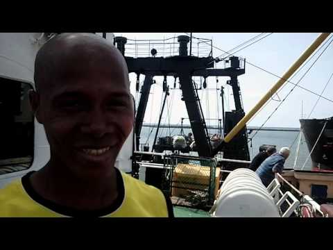 Port Conakry, offload cargo