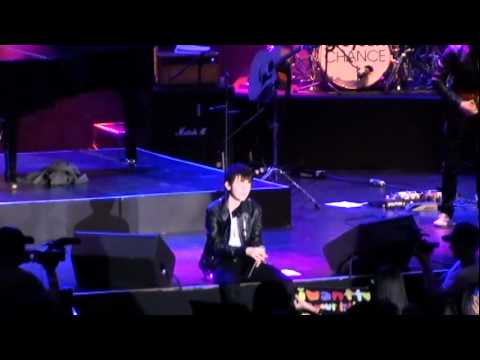 greyson chance live in manila - take a look at me now (HD)