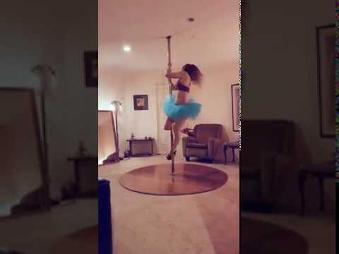 pole dance move - twizzle