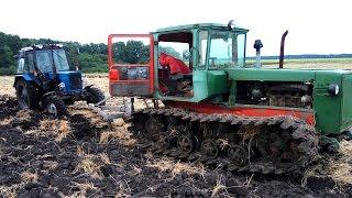ДТ-75 и МТЗ-82 на вспашке поля под зябь. #СельхозТехника_ТВ №42