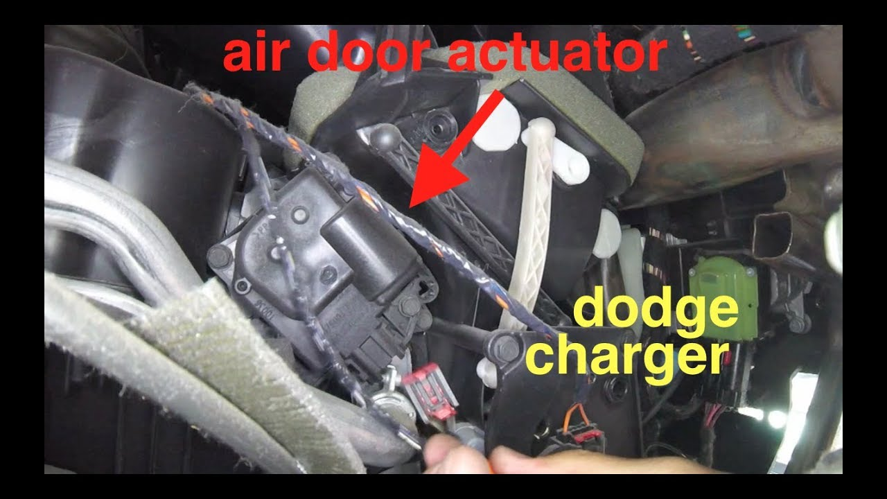 [blowing cold air, clicking noise] AIR door Actuator