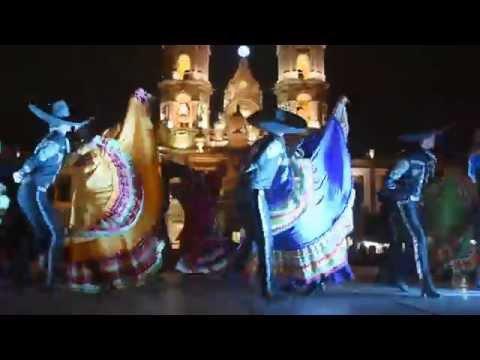 Tradicional baile del Jarabe Tapatio