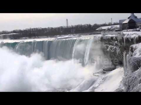 Niagara Falls freezes over