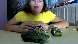 Іграшковий військовий БТР