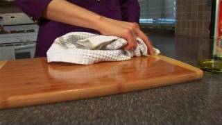 How To Clean A Cutting Board The Eco-friendly Way