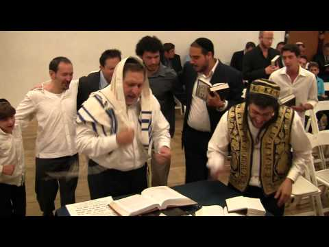 Authentic orthodox Jewish Shabbat service (filmed before sundown) Happy Minyan, L.A. (111)