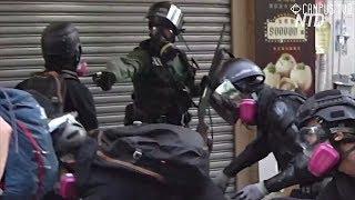 Первый выстрел: полиция Гонконга начала применять оружие против демонстрантов
