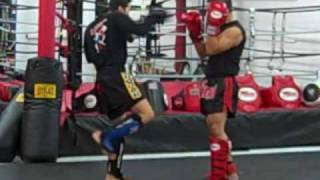 Muay Thai Superman punch w/Arjan Kaensak at VALOR Training Center Stockton, CA