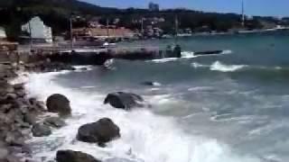 Как мы отдыхали на море.  Семииз - Крым 2012. Шторм на море.(Как мы отдыхали в Крыму .. Семииз - очень красивое место., 2017-01-30T13:25:11.000Z)