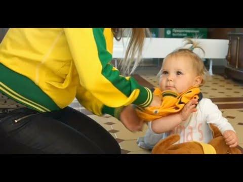 رضيعة استرالية تعيش أجواء كأس العالم.. مهد قصة حب والديها  - نشر قبل 21 ساعة