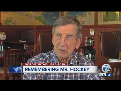 Ted Lindsay calls Gordie Howe the greatest player ever, pays tribute to late friend
