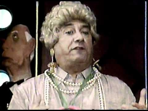 Dercy Chupeta Entrevista o Deputado Chavasca - Cabaré do Barata, 1989