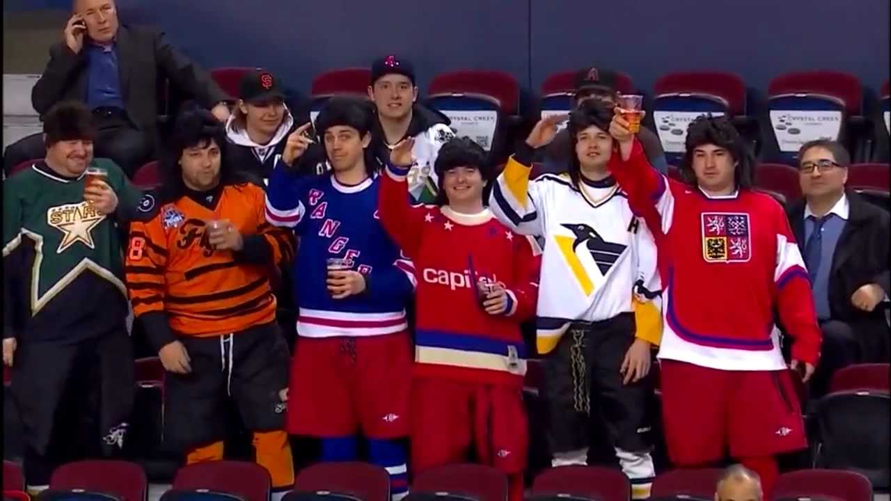 first rate c03d5 bbfca Flames Fans Pay Priceless Tribute to Jaromir Jagr (Video ...