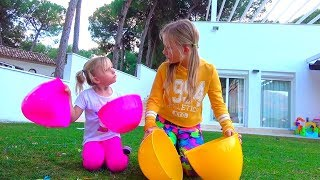 Niños quieren nuevos juguetes, pero no tienen dinero / historias Divertidas sobre Alicia y hermanas