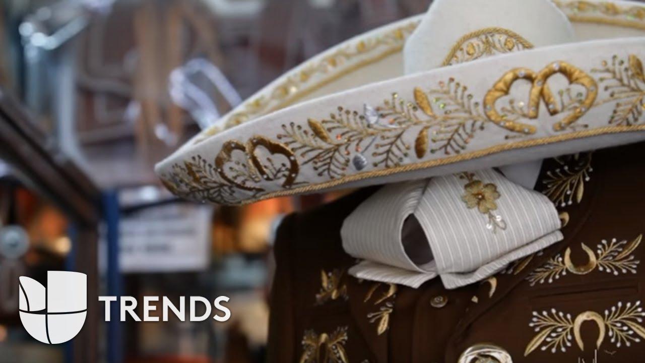 Conoce el verdadero traje de charro mexicano al mejor estilo Vicente  Fernández - YouTube 5721aa3b06a