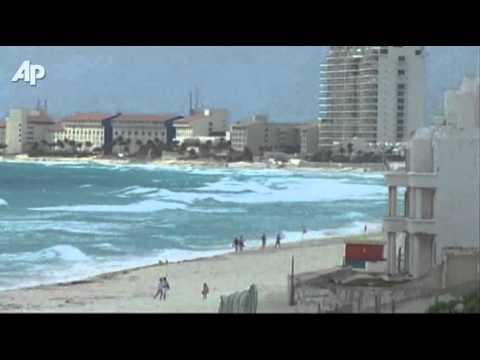 Mexico Prepares for Hurricane Rina