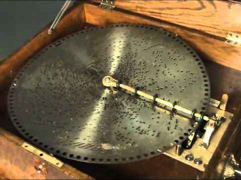 Enorme Caja de Música Polyphon de 156p úas, 78 notas dobles, con 20 discos. ¡Peines completos!