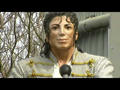 Michael Jackson statue unveiled at Fulham Mp3
