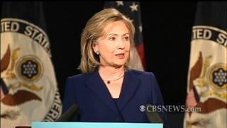 hillary clinton faces heckler during speech