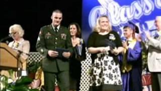 Army sergeant surprises sister at graduation