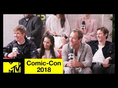 Fantastic Beasts: The Crimes of Grindelwald Cast on SEXY Dumbledore & More! | Comic-Con 2018