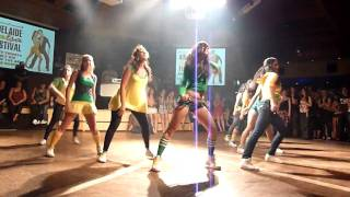 Видео: Annes Reggaeton / Dancehall Performance - Adelaide Salsa Festival 2010