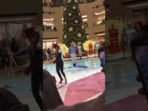 Let it go !!! In Mall of the emirates