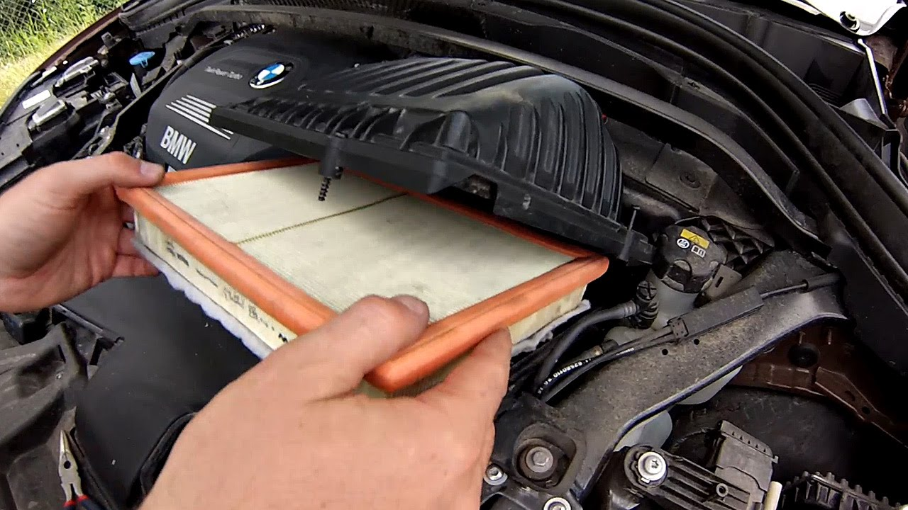 Replacing The Air Filter Bmw X1 F48 2016 Youtube