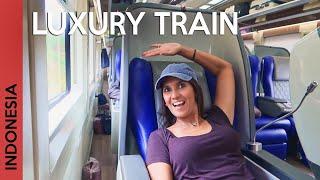 Download lagu Luxury train in Indonesia: Yogyakarta to Jakarta 🚆