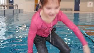 Leren zwemmen met Jip