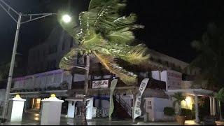 Early Effects of Hurricane Matthew in Nassau, Bahamas 10-6-16